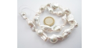 filo unico di 17 perle barocche grezze grandi australiane lungo 40 cm