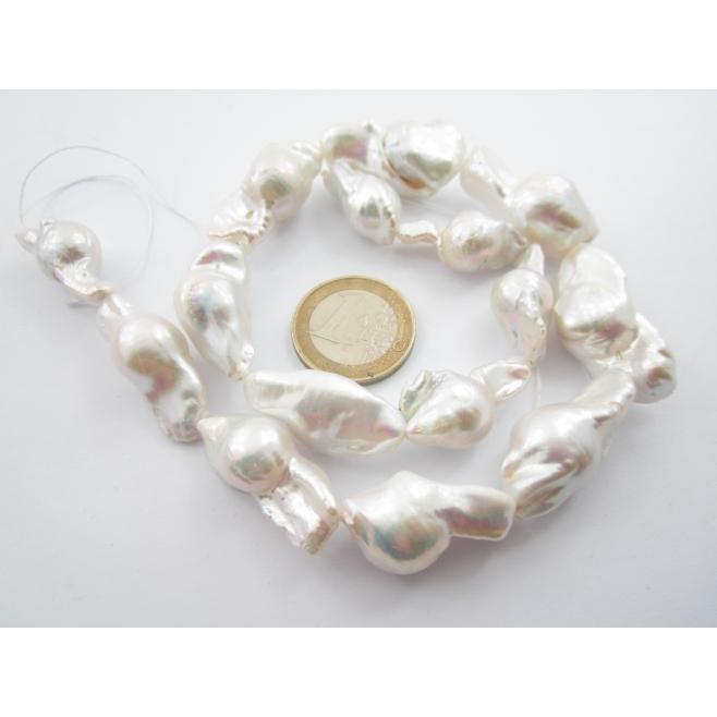 filo unico di 25 perle barocche australiane lungo 41 cm