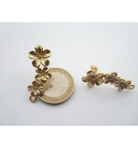 2 basi x orecchini triplo fiore in zama placcato oro giallo satinato 31 x 12 mm