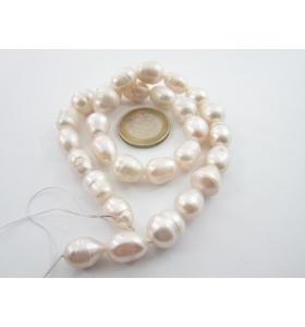 filo perle bianche ovaloidi...