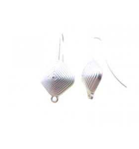 2 basi orecchini in zama argentata modello corbula quadra