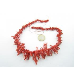 filo di rametti in gradazione di corallo naturale rosso aranciato originale sardo lungo 46 cm