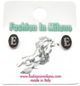 1 paio di orecchini ag 925 lettera C zirconi bianchi su pavè di zirconi neri