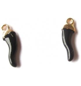 3 ciondoli charms cornetti smaltati di colore nero misure 14x4 mm