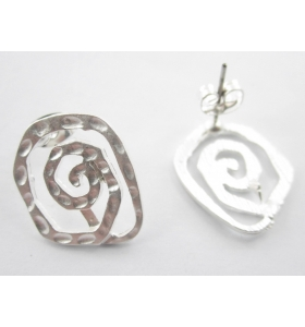 coppia orecchini zama modello spiral argentato effetto satinato