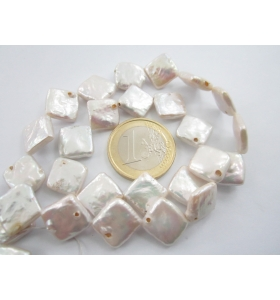 filo perle scaramazze bianche forma rombo coltivate in acqua dolce di 14x14 mm circa
