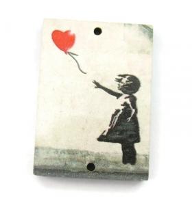 1 pendente in legno rettangolari serie art Banksy 2 fori misure 34x24
