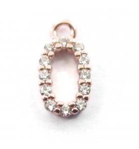 ciondolo charms iniziale lettera O zirconi bianchi placcati oro rosa 1 pz.