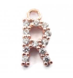ciondolo charms iniziale lettera R zirconi bianchi placcati oro rosa 1 pz.