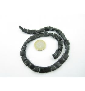 1 filo di quadratini di onice nera cabochon 10x10 mm.