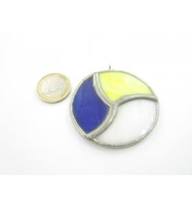 cinodolo tondo in vetro a tre colori realizzato con tecnica Tiffany
