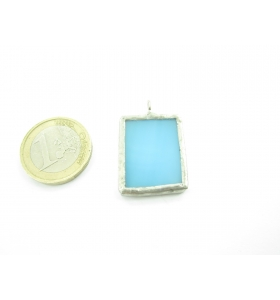 ciondolo rettangolare piccolo in vetro azzurro sfumato realizzato con tecnica Tiffany