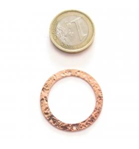 Base orecchino connettore grande tondo due fori argento 925 rosè martellato 38 mm.