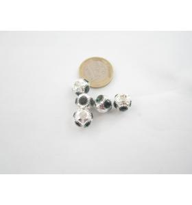 1 rondellina/distanziatore in rame argentato con strass verde 11x10 mm.