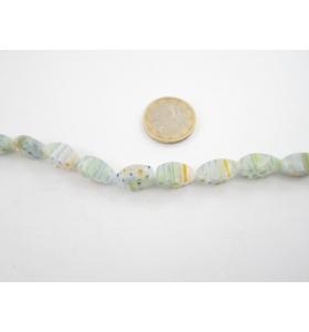 1 filo di murrine colorate nei toni dell'azzurro chiaro  ovali sfaccettati  16x8 mm.