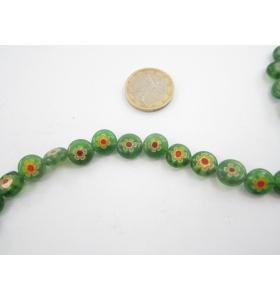 1 filo di murrine colorate nei toni del verde con fiore rosso tondi  10 mm.