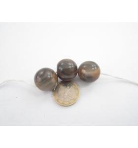 una sfera in legno color marrone /grigio diametro 20 mm.