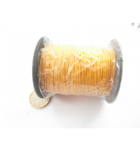 un rotolo di cotone cerato color giallo scuro