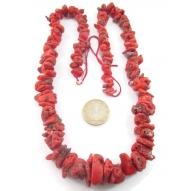 particolare corallo grezzo rosso grezzo naturale in gradazione provenienza  sardegna lungo 61 cm