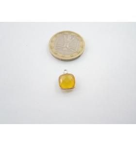 un piccolo ciondolo agata gialla quadrato castone in argento 925 mm. 12x9