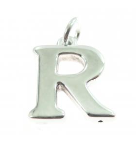 iniziale lettera R grande...