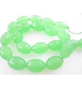 quarzo verde  forma oliva...