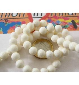 1 filo di corallo madrepora bianco 52 perle da 8 mm