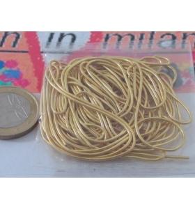 1 sacchetto di circa 5 grammi di canutiglia dorata di 1 mm interno 0,8 mm