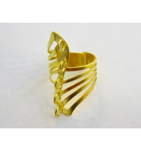 1 base anello con 5 anellini saldati messi in fila traversi in metallo dorato