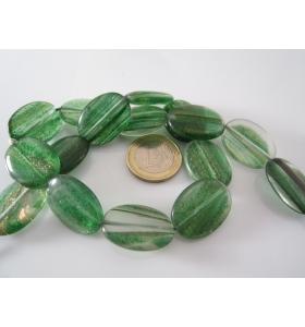 8 ovali piatti in vetro soffiato verde con inclusioni dorate di 25x18 mm
