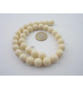 1 filo di resina color bianco/avorio tonda cabochon mm.12