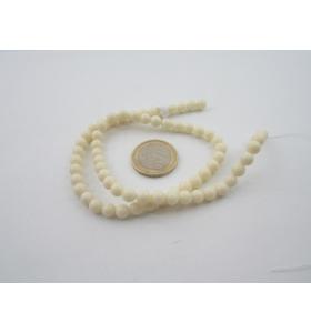 1 filo di resina color bianco/avorio tonda cabochon mm 6